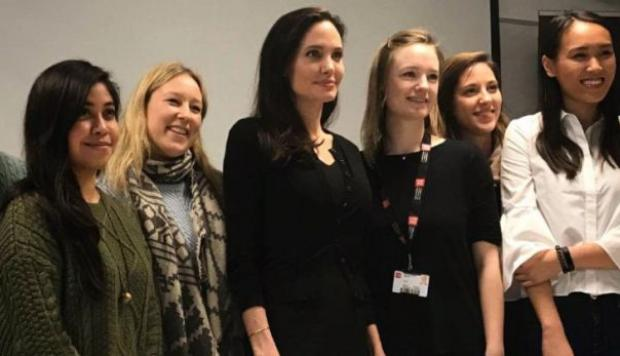 Angelina Jolie dictó clase en London School of Economics