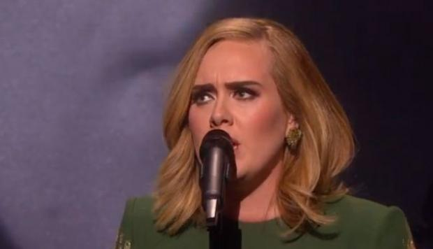 Adele interpretó Hello por primera vez en vivo [VIDEO]