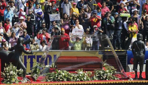 Chespirito recibió multitudinaria despedida en Estadio Azteca - 1