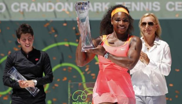 Serena Williams 'arrolló' a Carla Suárez y campeonó en Miami