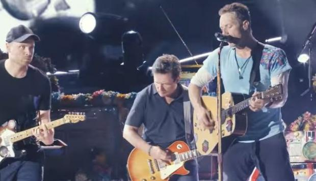 YouTube: Michael J. Fox y Coldplay interpretan Johnny B. Goode