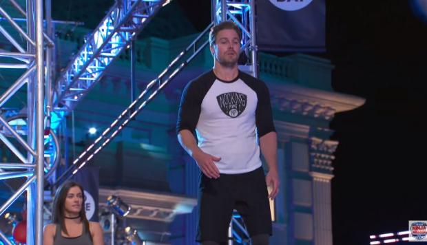 "Stephen Amell de ""Arrow"" en ""American Ninja Warrior"""