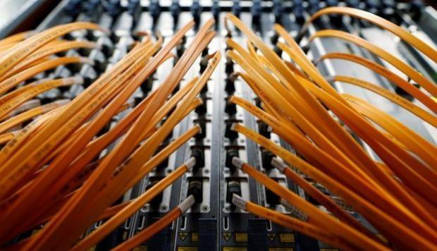 Cable de fibra óptica Reuters