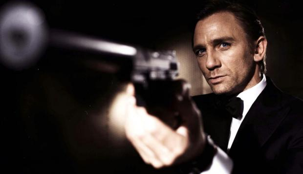Apple y Amazon en disputa por adquirir los derechos de James Bond