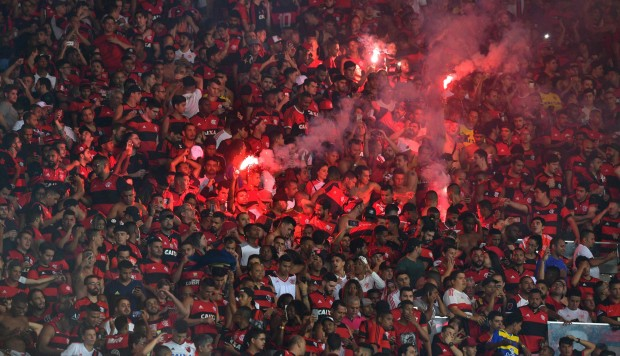 Flamengo vs. Independiente: hincha del 'Mengao' recordó a Guerrero en final