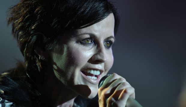 Revelan la causa de la muerte de la vocalista de The Cranberries