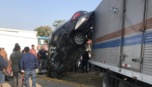 Accidente de tránsito,Los Olivos,Avenida Universitaria,Choque