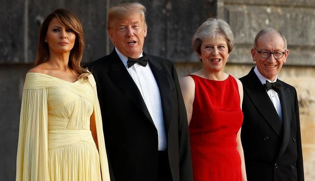 ¿Qué le regaló Theresa May a Donald Trump por su visita a Reino Unido?