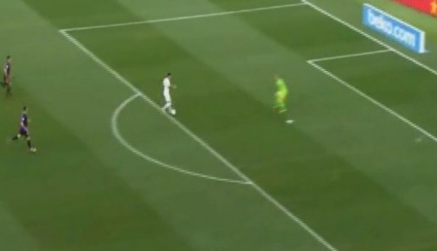 Barcelona vs. Boca Juniors: Mauro Zárate falló increíble opción de gol. (Foto: Captura de video)