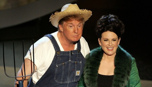 Donald Trump y Megan Mullally en el Emmy. (Foto: Agencias)