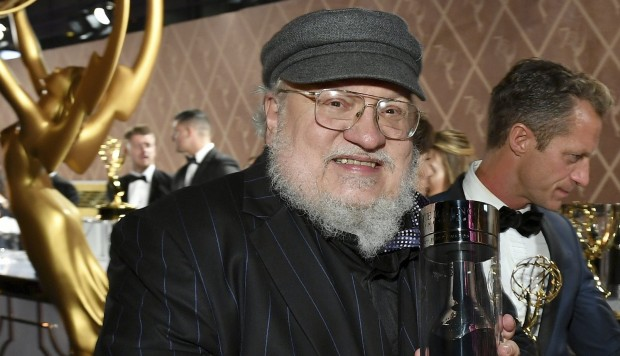 George RR Martin sorprende con confesión — Game of thrones