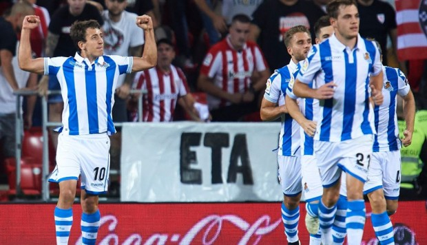 Real Sociedad ganó 3-1 a Athletic Bilbao con doblete de Oyarzabal en San Mamés por el derbi vasco | VIDEO. (Foto: AFP)