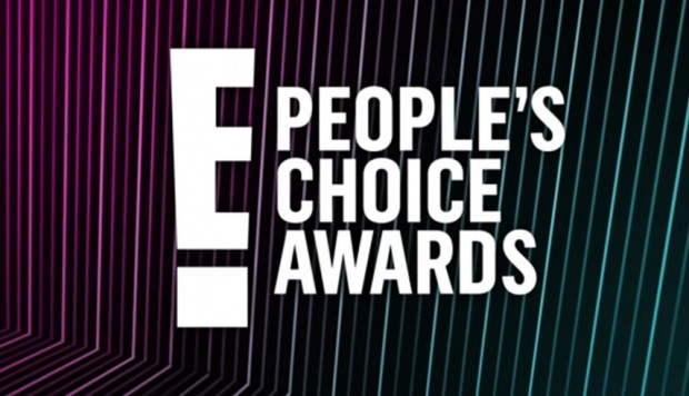 People's Choice Awards 2018: Kim Kardashian luce sexy vestido transparente