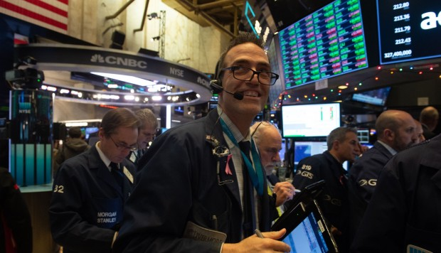 Wall Street abre con ganancias y el Dow Jones sube un 0,82%