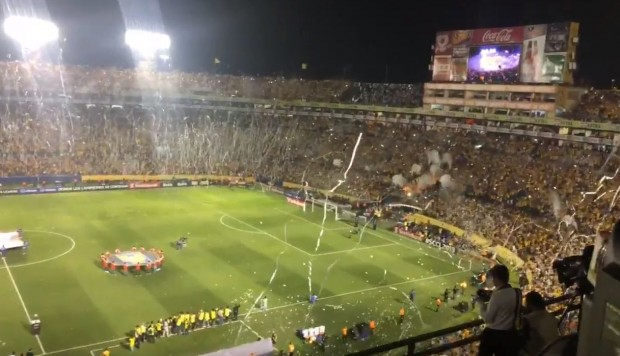 Tigres vs. Monterrey: revive el espectacular recibimiento del Estadio Universitario al cuadro felino | VIDEO. (Video: Twitter / Foto: Captura de pantalla)