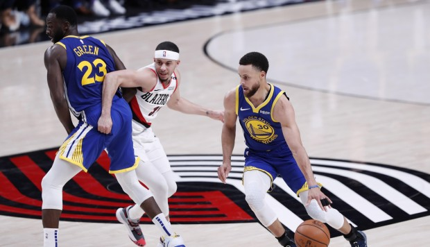 Los Warriors completaron la barrida de los Trail Blazers