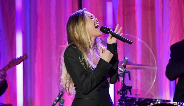 """Miley Cyrus lanza EP """"She is Coming"""" (Foto: AFP)"""