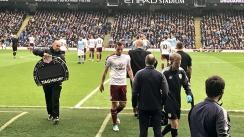 Delantero neozelandés Chris Wood se lesionó con el Burnley