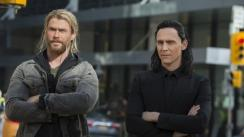 ¿Por qué Chris Hemsworth golpeó en la cara a Tom Hiddleston?