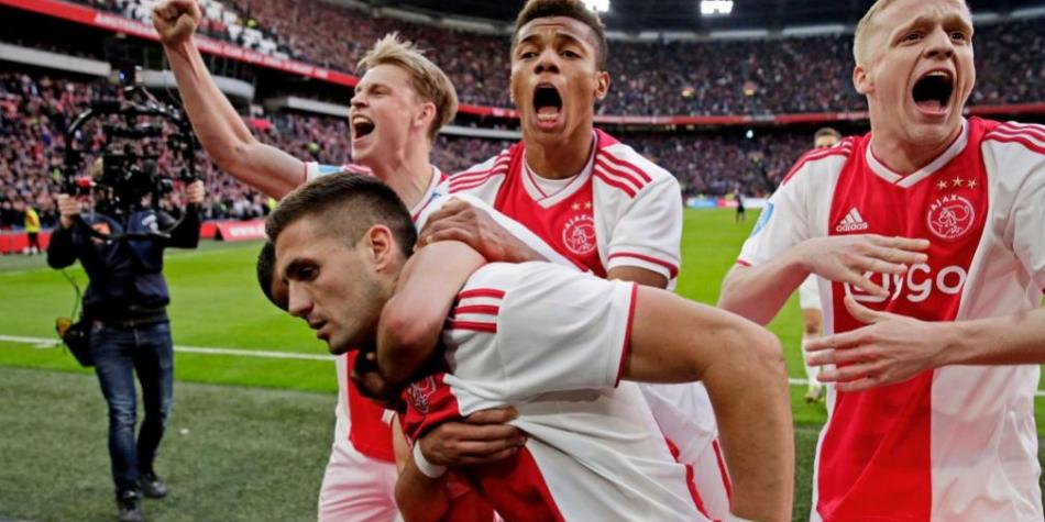 Ajax Beat Psv 3 1 And Hirving Lozano Starred For 27th Eredivisie Video Overall Sport World Football