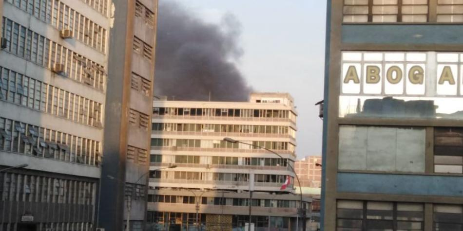 Closed of Lima: fire is registered by Jirón Cusco | Lima