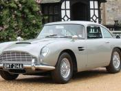 Sale a subasta el Aston Martin DB5 conducido por James Bond