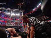 WWE Extreme Rules: Braun Strowman lanzó a Kevin Owens desde la jaula metálica [VIDEO]