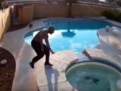 YouTube: salvó a su perro de morir ahogado en un jacuzzi [FOTOS y VIDEO]