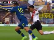 Boca Juniors vs. River Plate: Cardona agredió a Pérez con un codazo | VIDEO