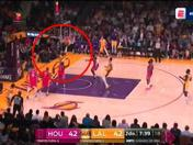 Los Ángeles Lakers vs. Houston Rockets: fast break culminado con éxito por LeBron James | VIDEO