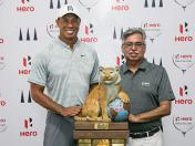 Tiger Woods se mantiene como embajador global de Hero Moto