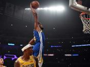 Golden State Warriors aplastó 130-111 a Los Lakers sin LeBron en Los Angeles por la NBA