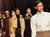 El emotivo desfile de Fendi, y la despedida a Karl Lagerfeld | FOTOS Y VIDEO