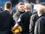 Pochettino sostuvo acalorada discusión con un árbitro de la Premier League | VIDEO