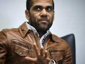 Dani Alves dice estar