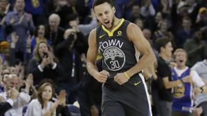 El base de los Golden State Warriors anotó 38 puntos en apenas 26 minutos de juego ante los Memphis Grezzlies. Stephen Curry encestó 10 triples. (Foto: AP)
