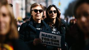 "Paul McCartney en la ""Marcha por nuestras vidas"""