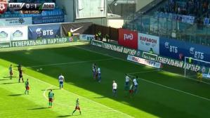 Farfán imparable: marcó sublime gol de tiro libre con el Lokomotiv. (Foto: Captura de video)