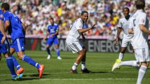 YouTube: Ronaldinho y el increíble fallo de un penal en partido amistoso | VIDEO
