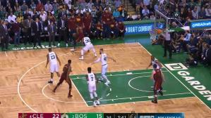 Cavaliers vs. Celtics: el espectacular triple de LeBron James | VIDEO