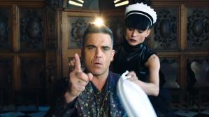 "Robbie Wiliams en el video de ""Party Like a Russian"". (Fuente: YouTube)"