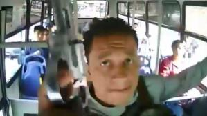 YouTube: un aterrador atraco en autobus en Colombia quedó registrado en video