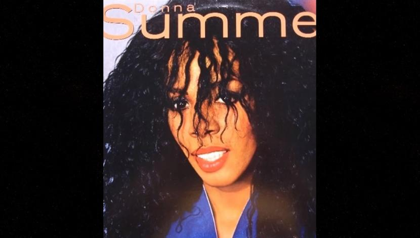 "Donna Summer interpretando el tema ""State Of Independence"". (Fuente: YouTube)"