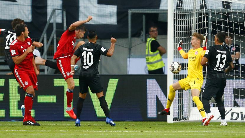 El primer gol de Lewandowski ante Eintracht Frankfurt. (Foto: AFP / Video: YouTube)
