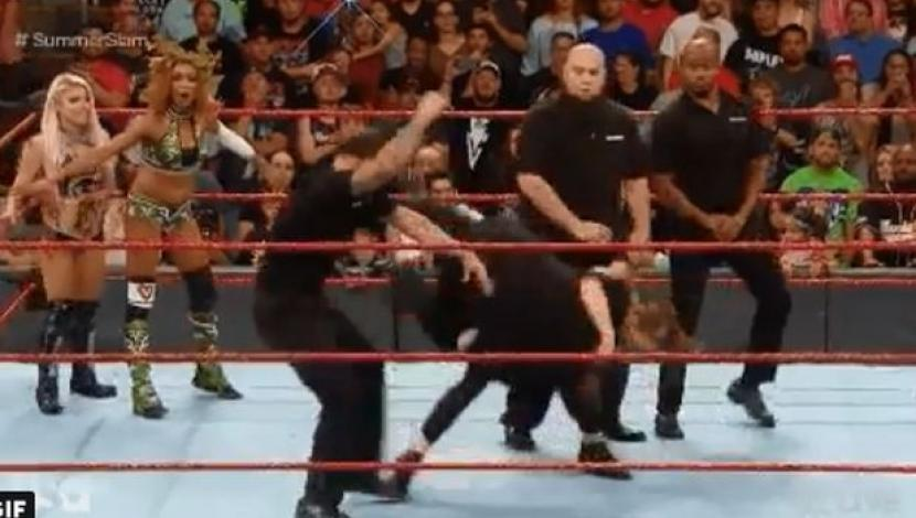 WWE RAW: Ronda Rousey sometió al equipo de seguridad de Alexa Bliss. (Video: YouTube)