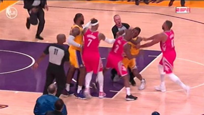 Brandon Ingram, Rajon Rondo (LAL) y Chris Paul (HOU) fueron expulsados tras una pelea en el Staples Center | Foto: captura