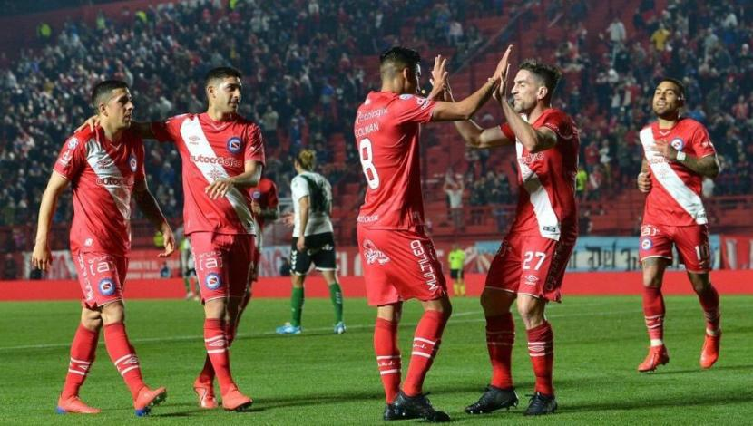Argentinos Juniors derrotó 3-2 a Banfield en La Paternal por la tercera fecha de Superliga argentina | VIDEO. (Video: YouTube / Foto: AFP)
