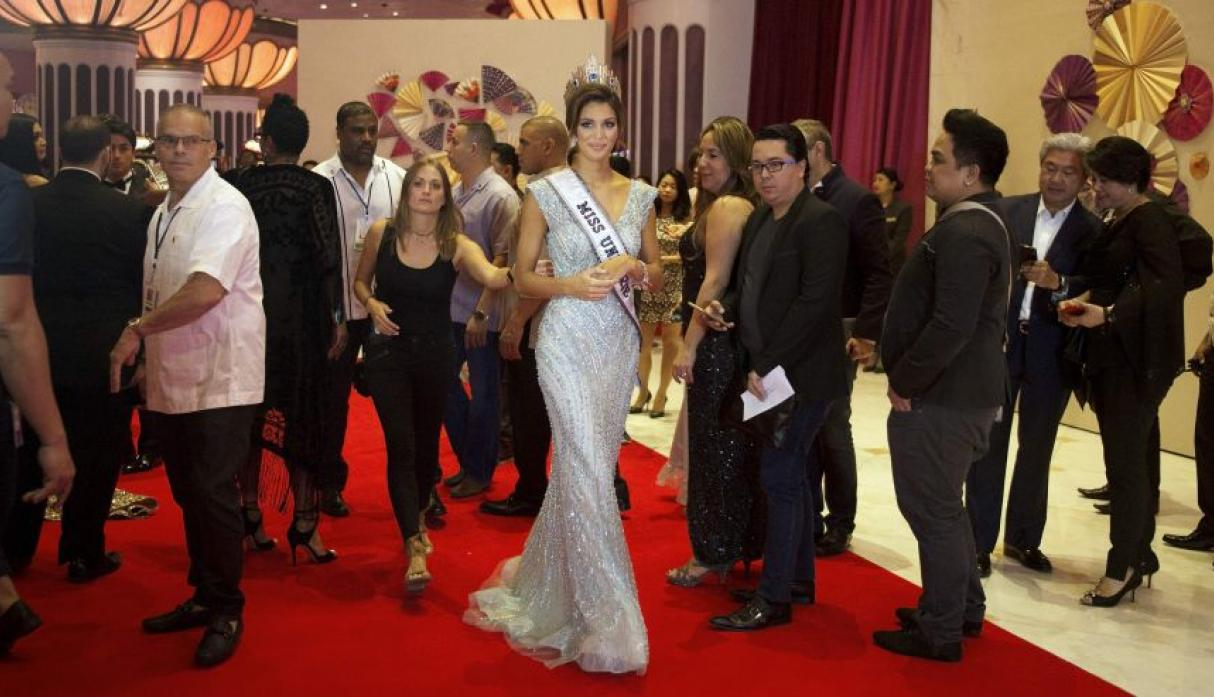 Iris Mittenaere, Miss Universo 2016, se lució en el after party - 2