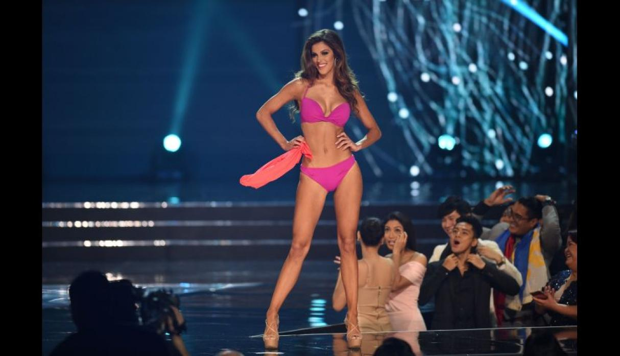 Iris Mittenaere, Miss Universo 2016, se lució en el after party - 5