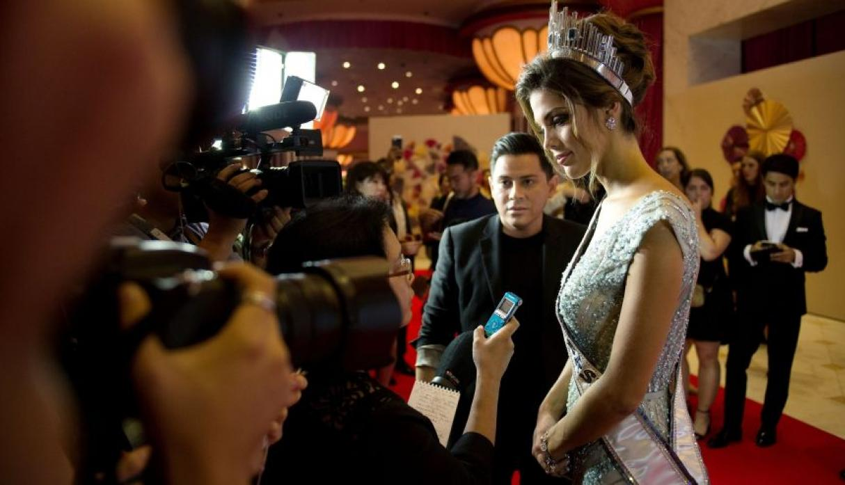 Iris Mittenaere, Miss Universo 2016, se lució en el after party - 18